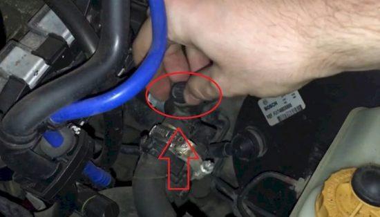 Легкая замена антифриза Fiat Albea, не снимая нижний патрубок
