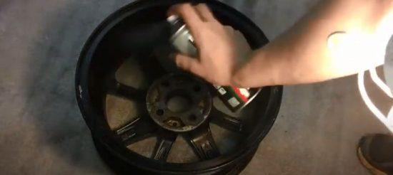 Как правильно покрасить баллончиком диски автомобиля Fiat Albea
