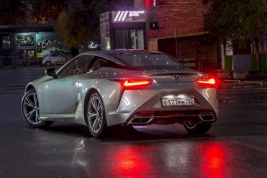 Автомобиль Lexus - американский японец