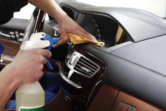 Как правильно поддерживать чистоту салона вашего авто?