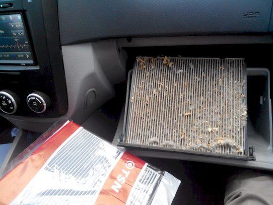 Не забывайте менять воздушный фильтр салона автомобиля, чтоб не жалеть потом