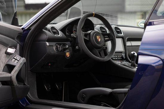 Обзор Porsche 718 Cayman GT4
